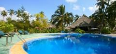 Echo Beach - pool