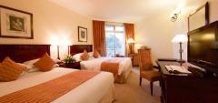Serena Hotel - bedroom